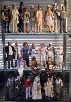 Sharon Cariola's OOAK 1/12 miniature dolls