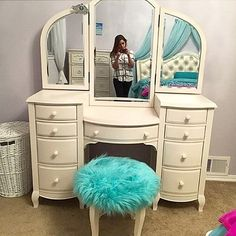 @hymelynn snapped a photo of how she got ready with her PBteen Lilac Vanity and Glam Stool! #mypbteen