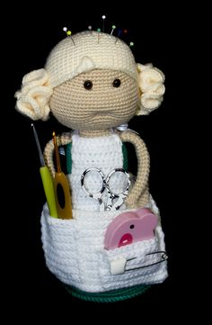 *****PDF Pattern only***** Handy Heidi Made using dk weight yarn and a 2.25mm hook. This pattern is written in US terms. Pattern can be made using any hook and yarn as long as you make sure that your stitches are nice and tight. Pattern contains Doll Apron There are many