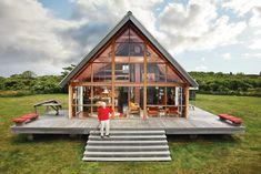 Designer Jens Risom's prefab family retreat in Block Island. Photo by: Floto + Warner | Read more: http://www.dwell.com/renovation/article/jens-risoms-block-island-family-retreat