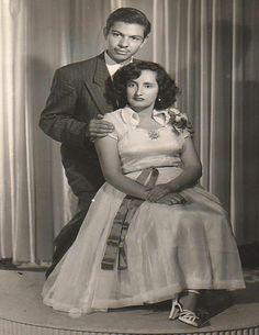 Ziquítaro.Margarita Mora  y Mayo Barrera. En México