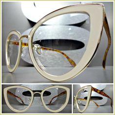 Fashion Tips Color .Fashion Tips Color Fashion Eye Glasses, Cat Eye Glasses, Lenses Eye, Eyewear Trends, Corte Y Color, Eye Frames, Womens Glasses, Eyeglasses For Women, Cream And Gold