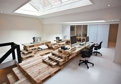 DIY Workplace solution from wooden pallets. Just rebuild if you don't know how to use free spaces at your home. This will solve the issue of too much free space ;-)