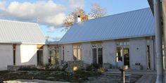 stenhus gotland - Sök på Google Beddinge, Montana Homes, Modern Bungalow, Shed Homes, Small Buildings, Modern Barn, Mediterranean Homes, Scandinavian Home, House Colors