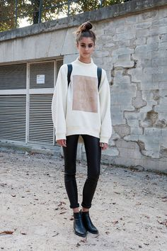 ACNE studiosi'm not really the biggest fan of wet look leggins or jeans whatsoever but this young woman pulls it off 100000%✨