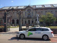 La MappyCar devant le musée de porcelaine de Limoges