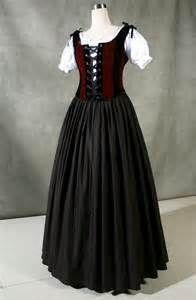 Tudor servant style clothing