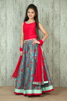 Digital Print Ghagra With Silk Choli @ LooksGud.in