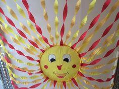 Sol del teja Image Results Infant Classroom, Preschool Classroom, Classroom Themes, Preschool Activities, School Hallway Decorations, Hallway Decorating, School Hallways, School Murals, Letter E Craft