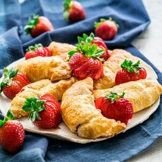 These strawberry cheesecake crescent rolls are super quick to put together, only 25 minutes from start to finish. They're incredibly delicious and perfect for when you have a sweet tooth.