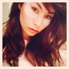 No makeup with my under eye mask on. Good night world. Tomorrow is going to be a good day.🙏 はい、スッピン。笑。いや〜ん。なんか恥ずかしいね。このアンダーアイマスクで明日はスッキリだな!明日も素敵な日になる予感。おやすみなさい。❤️ #nomakeup #goodnight #me #selfie #bedtime #model #beautyremedies #eyes #shaula