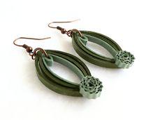 Pendientes quilling de papel verde oliva por aCreativeTypeOfGirl
