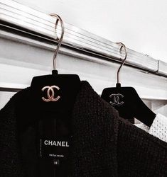 Black Chanel January 15 2020 at fashion-inspo Style Vintage, Mode Vintage, Vans Old Skool Schwarz, Vanessa Moe, Mode Poster, Black And White Photo Wall, Mode Chanel, Classy Aesthetic, Gold Aesthetic