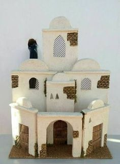 Resultado de imagen para casas artesanales para belenes Christmas Projects, Christmas Diy, Fontanini Nativity, Landscape Elements, Shower Dresses, Miniture Things, Building A House, Diy And Crafts, Projects To Try