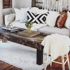 inside inspo  @salvagedior is an up-cycling, reclaimed wood using goddess ✨ #rustic #inspo #insidespaces #upcycled