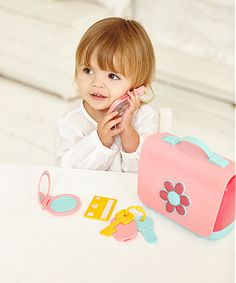Be just like Mum with your very own handbag with lots of accessories and sounds for fun pretend play.