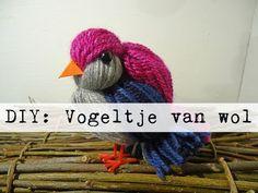 DIY: Vogeltje van WOL - YouTube Yarn Crafts, Diy And Crafts, Crafts For Kids, Arts And Crafts, Grandma Crafts, Felt Ball, Yarn Projects, Fabric Dolls, Winter Time