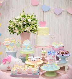 "Renata on Instagram: ""#Repost @alineccandido ・・・ Amei essa paleta de cores!!! Fotografia @_matheuscampos_  #festaarcoiris #festanuvem #festachuvadeamor…"" Cloud Party, Baby First Birthday, 1st Birthday Parties, Girl Birthday, Festa Frozen Fever, Party Corner, Pastel Party, Doll Party, Festa Party"