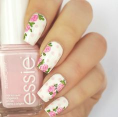 14 Truly Pretty Floral Nail Designs