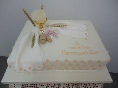Andreia & Ilda Sousa - Confecção de Bolos e Catering Bible Cake, First Holy Communion Cake, Communion Invitations, Baptism Party, Baby Shower, Cake Designs, Holi, Boy Or Girl, Fondant