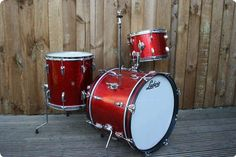 Ludwig / Pre-Serial Downbeat / 1962 / Red Sparkle / Drum / Vintage Percussion
