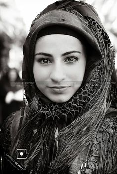 Another lovely image of a young Sardinia woman dressing with a traditional costume. #SardiniaCulture #SardiniaBeauty Gabriele Doppiu Photographer.Valledoria