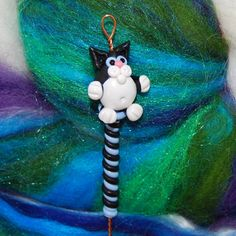Black & White Kitty Cat Spinning Wheel Orifice by TheClaySheep