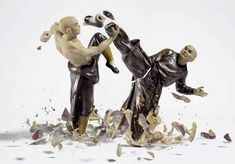 porcelain figures high speed photography as they smash drop to ground shatter klimas (8)
