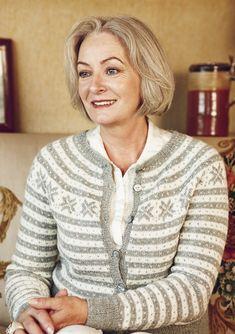 "Ravelry: Nr 2 ""Fana"" kofte med rundt bærestykke pattern by Sandnes Design Country Fashion, Folk Fashion, Cute Fashion, Norwegian Knitting Designs, Nordic Sweater, Fair Isle Pattern, Sweater Knitting Patterns, Vintage Knitting, Double Knitting"