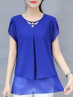 Cute Dress Outfits, Casual Work Outfits, Classy Outfits, Cheap Blouses, Blouses For Women, Blouse Styles, Blouse Designs, Myanmar Dress Design, Neck Designs For Suits