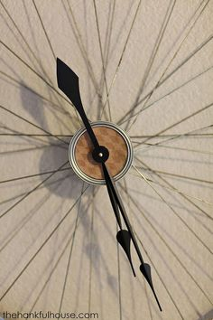 vintage bicycle wheel clock, home decor, repurposing upcycling, wall decor Mud Paint, Bicycle Wheel, Bicycle Clock, Guest Bedroom Decor, Cool Clocks, Little Corner, Diy Clock, Wood Planters, Auction Items
