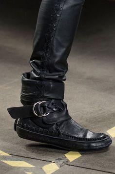 9d2c0ec8d96 Diesel Black Gold Fall 2018 Men s Fashion Show Details - The Impression