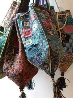 inspired by Hilary Bowers purses. Made from felted wool stitched with hand and machine embroidery Boho Bags, Fabric Bags, Fabric Basket, Textile Artists, Handmade Bags, Beautiful Bags, Wearable Art, Fabric Crafts, Fiber Art