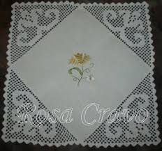 Risultati immagini per croche em linho Filet Crochet Charts, The Fragile, Crochet Magazine, Crochet Tablecloth, Crochet Designs, Doilies, Needlework, Diy And Crafts, Projects To Try