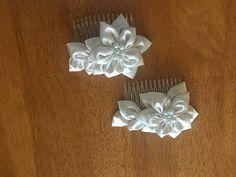Mira este artículo en mi tienda de Etsy: https://www.etsy.com/es/listing/519614124/handmade-hair-comb-communion-accesories