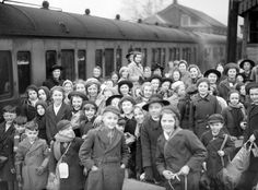 Operation Pied Piper: The Evacuation of English Children During World War II   Defense Media Network