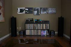 HiFi Listening room idea – but bookshelf speakers instead of towers Best Home Theater, Home Theater Setup, Home Theater Speakers, Home Theater Seating, Home Theater Projectors, Home Theater Installation, Audio Installation, Hifi Audio, Audio Speakers