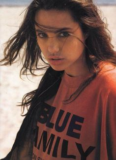 Angelina Jolie 1990