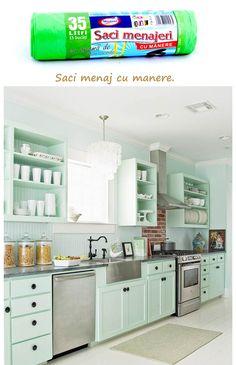Saci menaj cu manere 35L: http://www.produse-horeca.ro/baie/saci-menaj-cu-manere-mar-verde-35l-15/set
