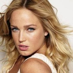 Arrow Season 2 Adds Caity Lotz as the Black Canary Beautiful Female Celebrities, Most Beautiful Models, The Most Beautiful Girl, Beautiful Actresses, Beautiful People, Beautiful Women, Arrow Black Canary, White Canary, Getting Rid Of Freckles