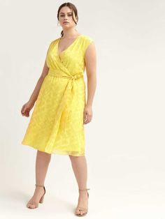 Shop online for Yellow Faux-Wrap Dress. Find Sale-Clearance, and more at AdditionElle Fall Fashion Trends, Spring Fashion, Autumn Fashion, Fashion Bloggers, Addition Elle, Petite Fashion, Curvy Fashion, Style Fashion, Fit Flare Dress