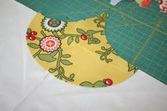 Crazy Old Ladies Quilts: Clambake - a Tutorial Quilting For Beginners, Quilting Tips, Quilting Tutorials, Hand Quilting, Machine Quilting, Quilting Projects, Quilting Designs, Sewing Projects, Beginner Quilting