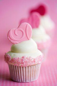 heart cupcake idea for Valentine's Day
