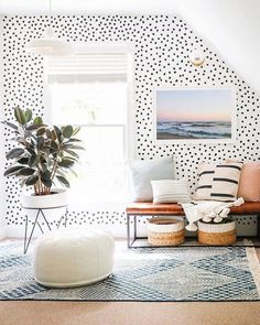 Inside The Bright Happy Home Of Sunny Circle Studios Erin Wheeler House Styles Bright Circle Erin Happy Home Studios sunny Wheeler Deco Design, Design Design, Home Decor Inspiration, Decor Ideas, Wall Ideas, Spiritual Inspiration, Inspiration Quotes, Writing Inspiration, Motivation Inspiration