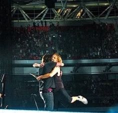 Dave Grohl and Taylor Hawkins: the perfect BroMance