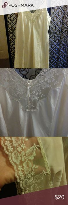 Pretty xl Lace Detail Slip 40-42 bust Sweet & pretty vintage 90s xl size slip. Cream with lace detail- silky feeling. Great for summer sleeping or under a sheer dress. Bust is 40-42. Wacoal Intimates & Sleepwear Chemises & Slips