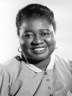 Hattie McDaniel Hattie McDaniel, Oscar winning actress, born Hattie McDaniel ~ (first Black person to win an Oscar (for Best Supporting Actress in Gone With The Wind, born Old Hollywood Movies, Golden Age Of Hollywood, Hollywood Stars, Classic Hollywood, Vintage Hollywood, Classic Actresses, Classic Films, Actors & Actresses, Black Actresses