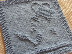 One Crafty Mama: Gardening Dishcloth. My grandmother would love this one!