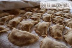 Leckerschmecker: Südtiroler Schlutzkrapfen! Kakao, Teller, Austria, Blogging, Stuffed Mushrooms, Vegetables, Create, Food, Fruit