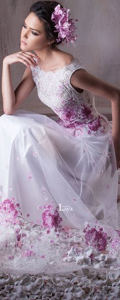 Hanna Touma S/S 2015 floral fashion Beautiful Gowns, Beautiful Outfits, Beautiful Flowers, Bridal Gowns, Wedding Gowns, Moda Floral, Evening Dresses, Prom Dresses, Dresses 2016